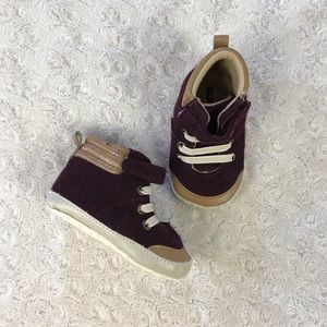 Old Navy High Top Baby Shoes 6-12 Months Burgundy